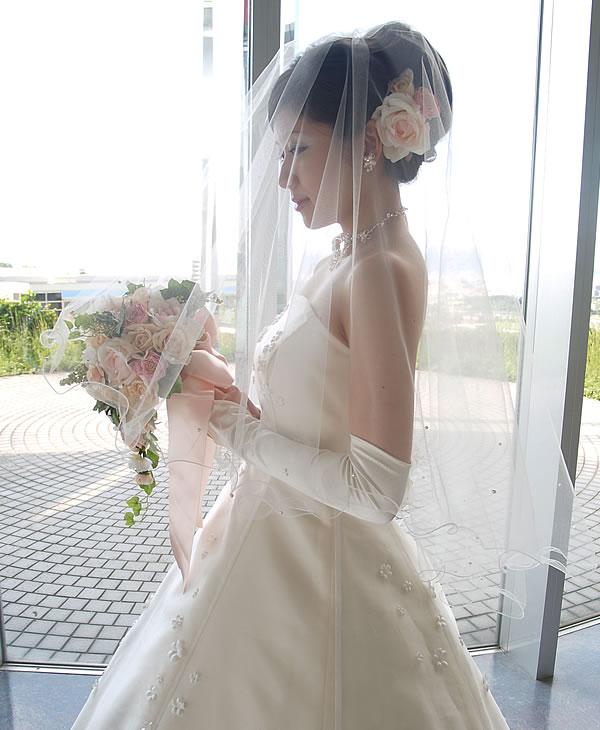 ウェディングベール ミドル丈【メロウ&パール】
