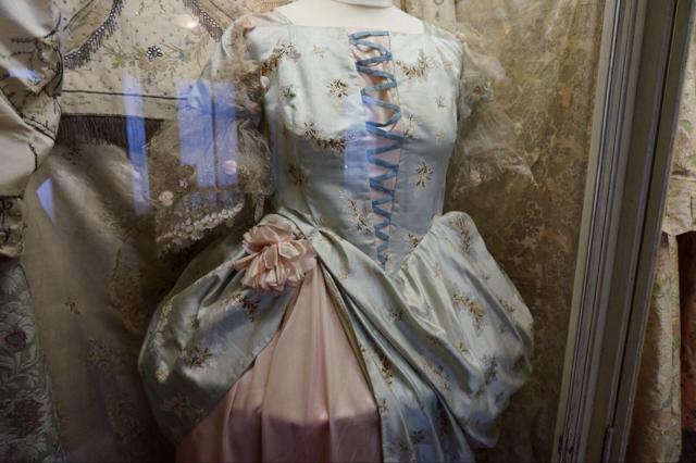 中世ドレス